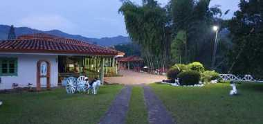 paraiso natural, cabañas,rio ,lago y senderos ecologicos 3